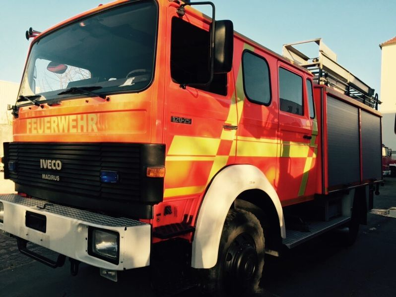 IVECO HLF Typ 120-25 4x4 carro de bombeiros
